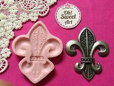 Fleur de Lis Silicone Push Mold Food Safe Cake Decoration Candy Cupcake (FDA)