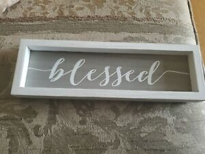 BLESSED SIGN WALL DECOR stand up
