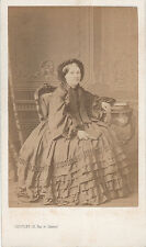 Photo cdv : Levitsky ; Dame de la bourgeoisie Parisienne assise , vers 1865
