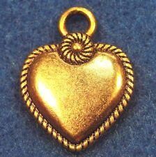 50Pcs. WHOLESALE Tibetan Antique Gold HEART Beautiful Charms Pendants Q0383