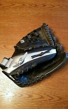 Black Leather Mizuno Baseball Mitt - Right Handed Thrower
