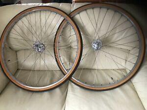 VINTAGE PAIR OF CAMPAGNOLO L/F  Q/R HUBS ON WEINMANN 27 X 1-1/4CLINCHERS WITH TY