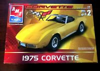 AMT ERTL 1975 Corvette 50th Anniversary Yellow 1:25 Scale Model Kit 31813