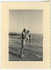 PHOTO ANCIENNE - MER PLAGE BOUÉE MAILLOT DE BAIN DRÔLE -SEA FUN-Vintage Snapshot
