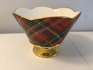 """Red & Green Plaid, W/Gold Tone Trim Bowl On Stand. 12"""" Diameter. 5.5"""" Tall. NEW."""