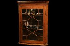 Encoignure Louis XVI en pitchpin, XVIIIème / corner cupboard, pin tree, 18th