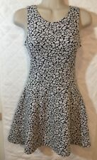 Divided by H&M Black & White Floral Dress Women's 4 Sleeveless Scoop Neck B5