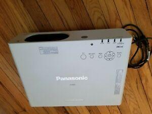 Panasonic PT-FW430U WXGA LCD Projector 1/2 Lamp Hrs Left TESTED & WORKING