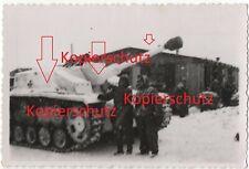 WK2 Foto StuG Panzer Sturmgeschütz Langrohr Schneetarn Winterkampf Russland 2331