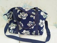 NEW NO TAGS STRONG CANVAS WEEKEND BAG/ SHOPPING / BEACH OR POOL - SHOULDER STRAP