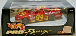 Hot Wheels Pro Racing Series NASCAR 1:43 Bill Elliott #94 1997