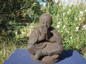 Buddha Steinfigur Mönch 30 cm schwer massiv Bali Handarbeit Garten frostfest