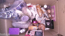LOTS DE MAQUILLAGE DE MARQUE 200 pieces