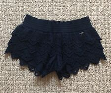 NEW HOLLISTER NAVY BLUE LACE EYELET RUFFLE TIERED SHORT SHORTS SIZE XS