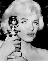Marilyn Monroe 1960 Vintage Press Photo Golden Globe Winner Date Snipe UPI Stamp