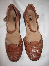 Clarks Bendables Brown Natural Leather Sandals Closed Toe Ankle Strap Size 7.5