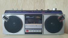 VINTAGE AIWA CS300Z BOOMBOX  AM FM CASSETTE  RADIO WORKS