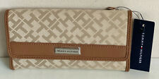NEW! TOMMY HILFIGER BROWN CONTINENTAL CHECKBOOK CLUTCH PURSE WALLET SALE
