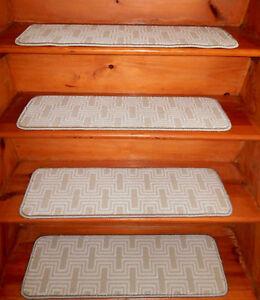 13 Step  9'' x 30''  + 1 Landing  30'' x 30''  Stair treads Wool Blend carpet.