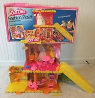 GROOVY 1975 MATTEL Barbie Fashion Plaza DOLL MALL vintage 1970s 98% Complete