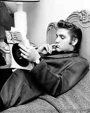 """Elvis 10"""" x 8"""" Photograph no 32"""