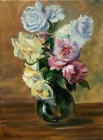 Original oil painting on 30 x 40 cm stretched canvas. Vase of roses.