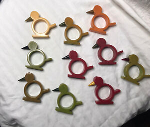 10! Vintage bakelite napkin rings. Great condition - chicks/ chickens / bird