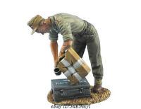 1/35 Drinking Soldier Resin Model Kits Unpainted GK Unassembled