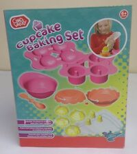 Chad Valley Cupcake Baking Set Includes16 Pieces 6+ years