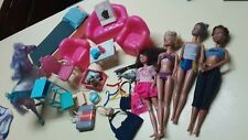 Vintage Lot Old Barbies and Clothes/Accessories & Furniture