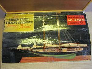 "PYRO 1/96 Grand Banks Fishing Schooner ""THE GERTRUDE L THEBAUD"" vtg 1956 used"