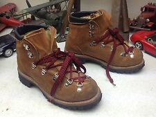VINTAGE MADE IN USA BROWN LEATHER LACE UP HIKING MOUNTAIN TRAIL BOOTS 8.5 B