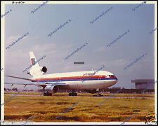 "UNITED AIRLINES DC-10 N1827U, McDONNELL DOUGLAS NUMBERED PERIOD PHOTO 8""x10"" (b)"