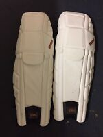 Icon Men's Limited Edition Players Right-Handed Batting Pads