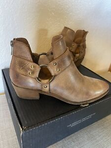 Frye Ray Harness Zip Back Bootie Size 9.5 New