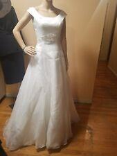Oleg cassini wedding dress white size 6 sleeveless organza faux pearls