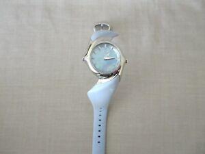 Womens Vintage Oakley Crush Watch Blue Dial Blue Rubber Needs Battery Mint
