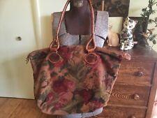 e4f9fc2772b9c Vintage Italienische Furla Handtasche ~ Tasche Blumen Stoff mit Leder  Griffe