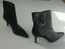 Women's New Look  boots black color size UK 4 BNWOB