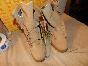 Belleville Military Gore-Tex 790V Tan Desert Combat Boots Size 5.5 R New No Box