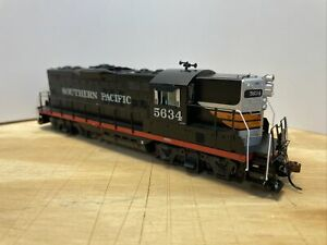 Athearn Genesis HO Scale - Southern Pacific GP9 #5634 - DC