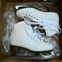 RIEDELL 112 Girls/kids Figure Ice Skates White Size 4 medium jr