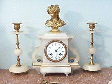 ELEGANTE Garniture de cheminée, Horloge et chandelier, albâtre et bronze mi-XIXe