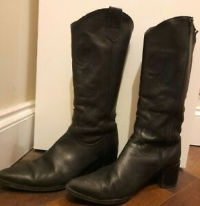 Duo Black Leather Knee High Cowboy Boots. Size 8. Slim Calf Medium Pointed Heel