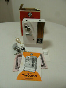 VINTAGE GENERAL ELECTRIC DELUXE ELECTRIC CAN OPENER  EC12 IN BOX