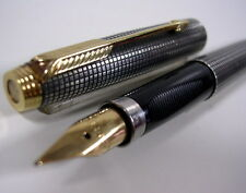 STYLO PARKER ARGENT MASSIF ANCIEN COLLECTION PLUME OR 18K VERS 1960/70
