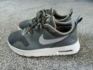 Boys Grey and White Nike Air Max Tavas Trainers Size 13