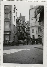 PHOTO ANCIENNE - VINTAGE SNAPSHOT - MORLAIX BRETAGNE RUE PHARMACIE ATTELAGE 1938