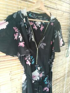 City Chic S Dress Floral Black Zip Front Flutter Sleeves Curvey Fashion