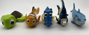 finding Nemo bath toys Lot of five very cool characters not tested
